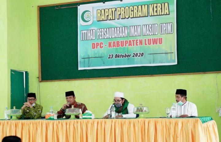 Buka Rakercab DPC IPIM, Bupati Luwu Ungkap Rencana Seleksi Imam Masjid